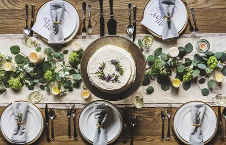 7 טיפים לתכנון אירועים קטנים מדהימים